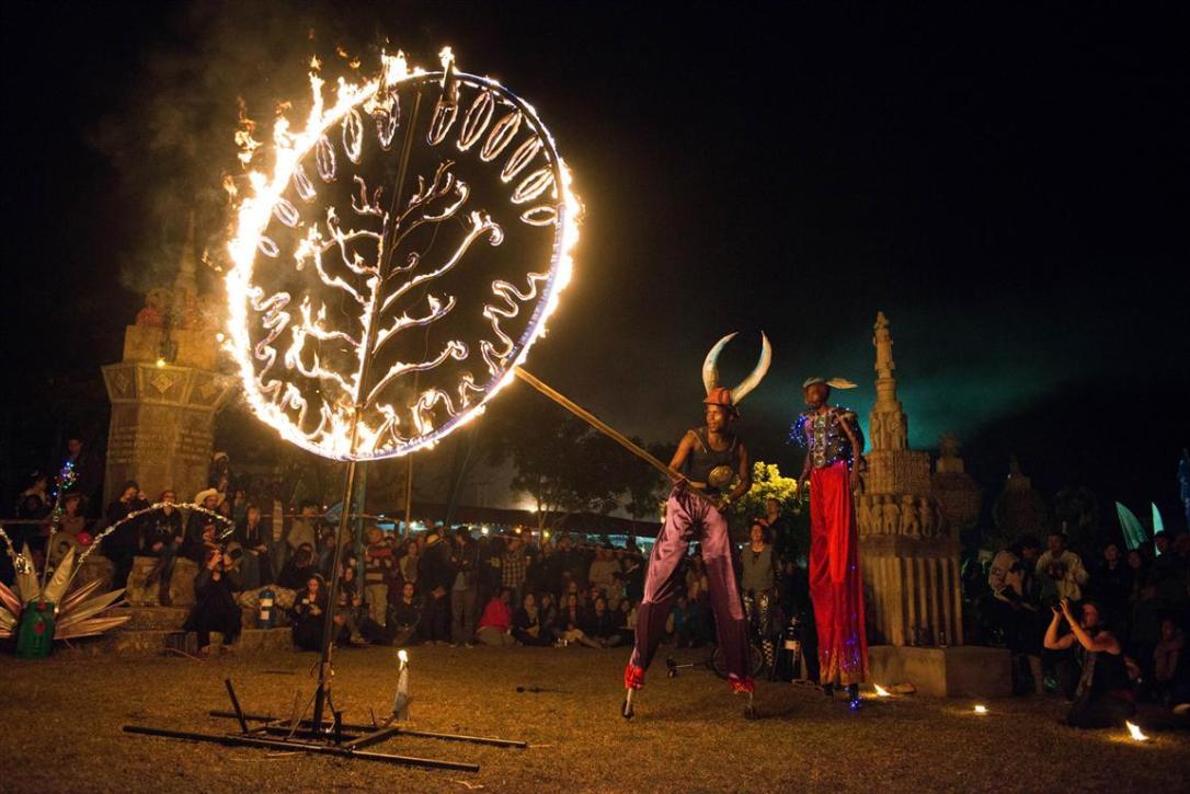 Entretenimento no festival Bushfire  |  Entretainment at Bushfire Festival